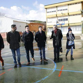 Ayuntamiento de Liérganes El consejero de Educación, Cultura y Deporte, Francisco Fernández Mañanes, visita instalaciones educativas y deportivas del municipio.  2 feb 18